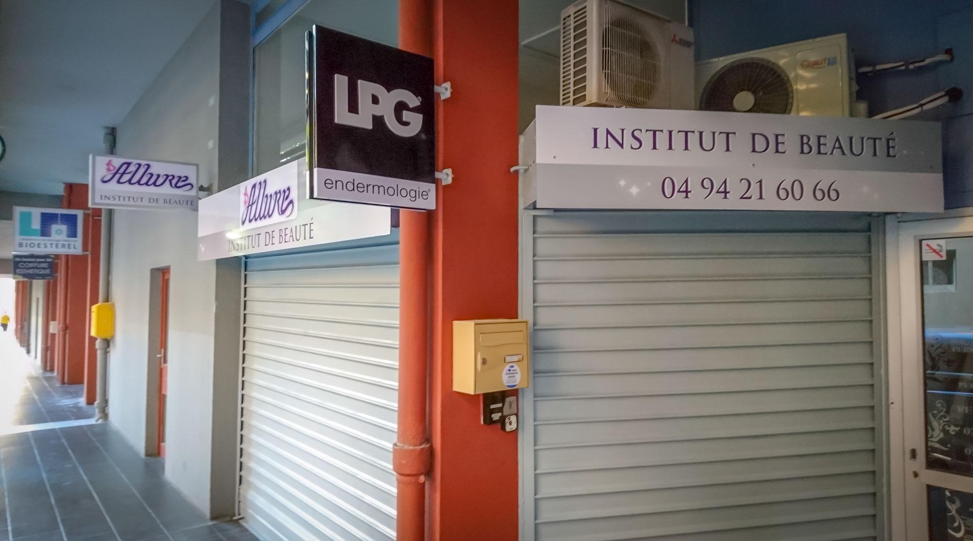 Enseigne et signalétique - communication institut de beauté à La Valette du Var